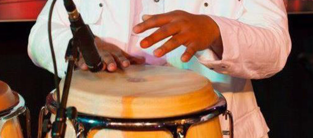Isan-Percussionist