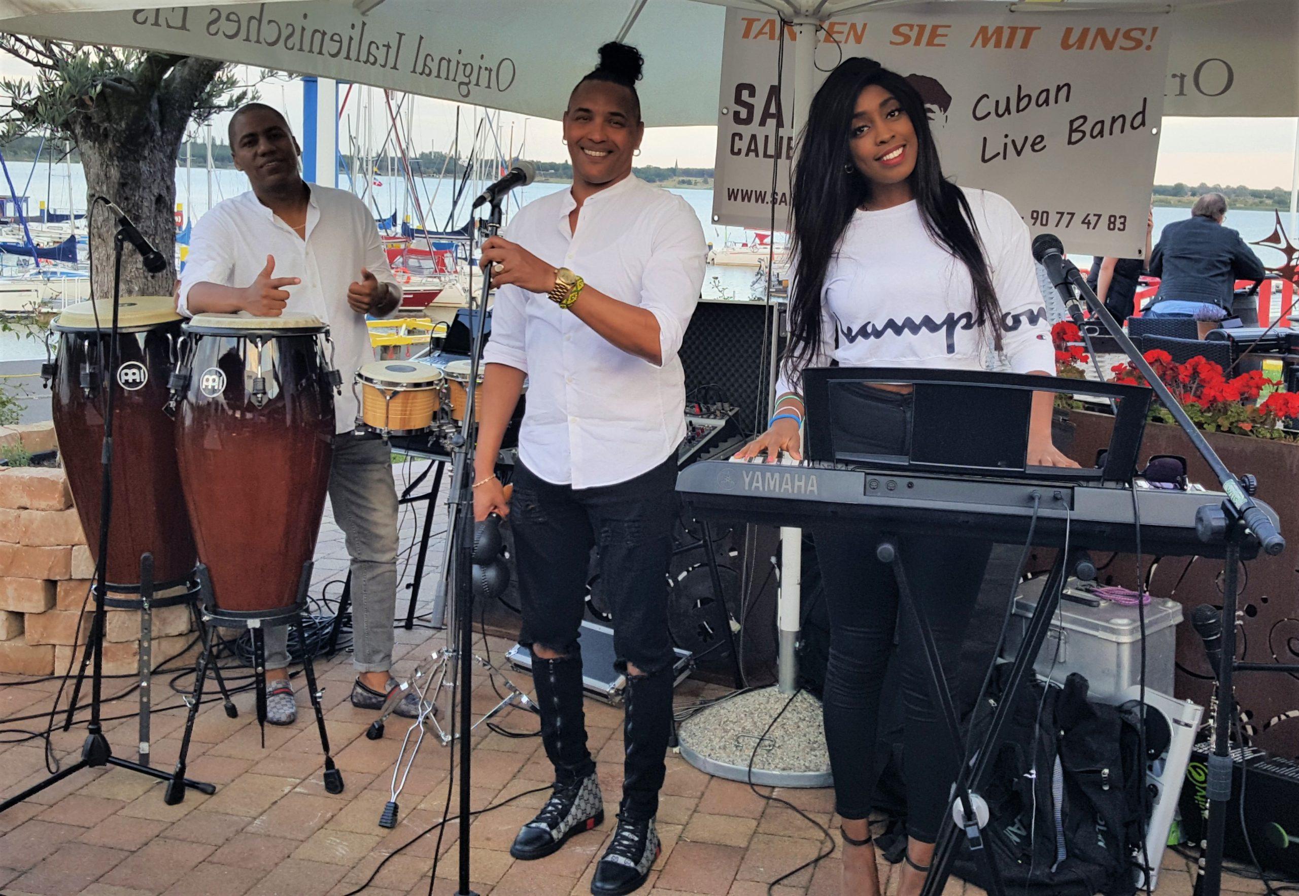 Salsa Caliente LE Live Band Buchen Sommerparty 2020